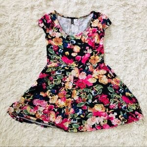 H&M • Floral Print Dress • Black + Pink